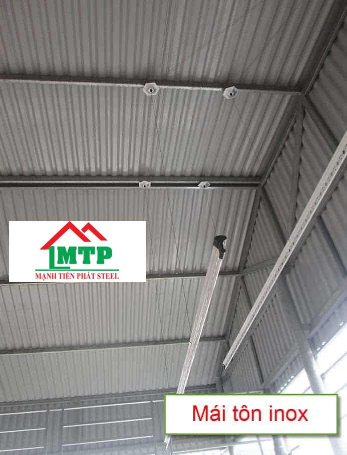 Lợp mái tôn inox là giải pháp tối ưu cho công trình nhà xưởng sản xuất hóa chất